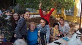 מפגש עם קשישים במרכז יום לגיל הזהב